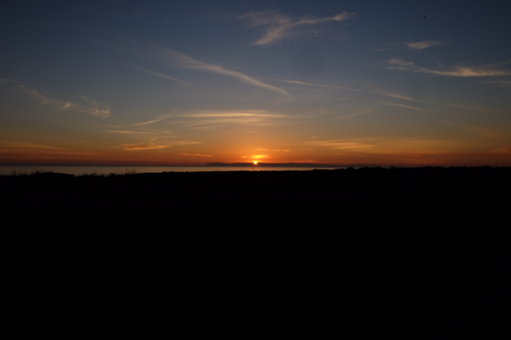 O primeiro pôr de sol no Pacífico
